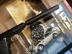 Omega Seamaster 300 Pierce Brosnan 300m 41mm James Bond 007 Automatic mens watch